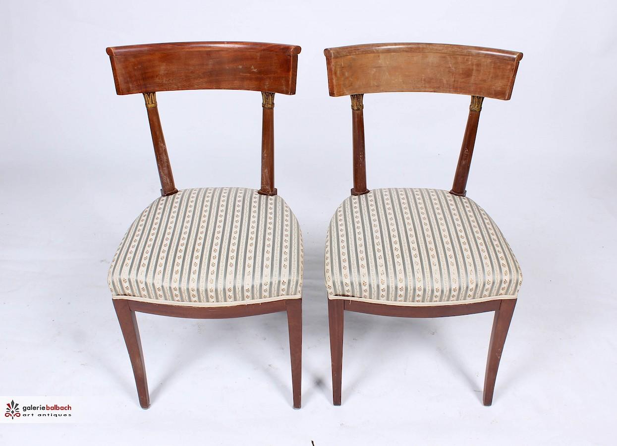 Restaurierung Und Polsterung Antiker Stuhle