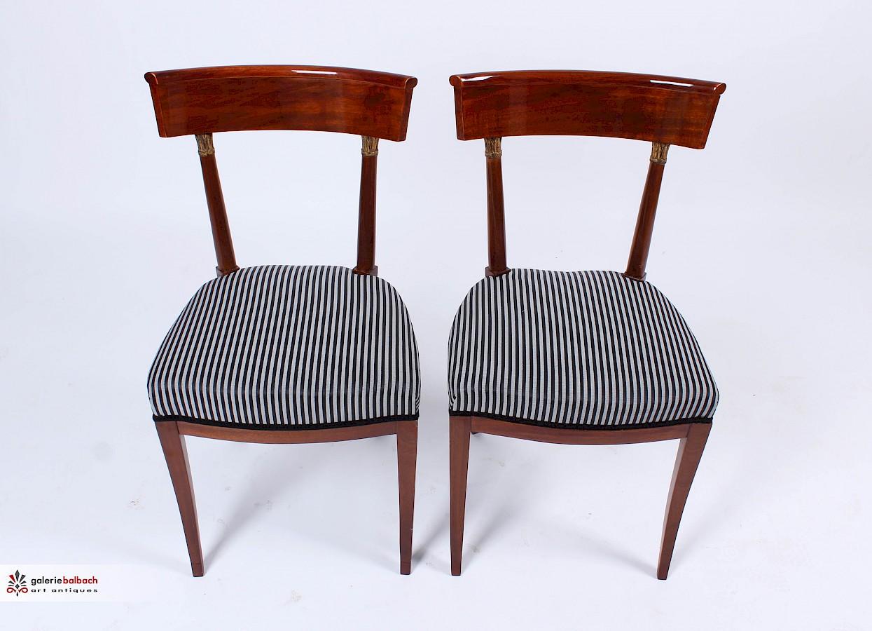 Restaurieren Und Polstern Antiker Stühle